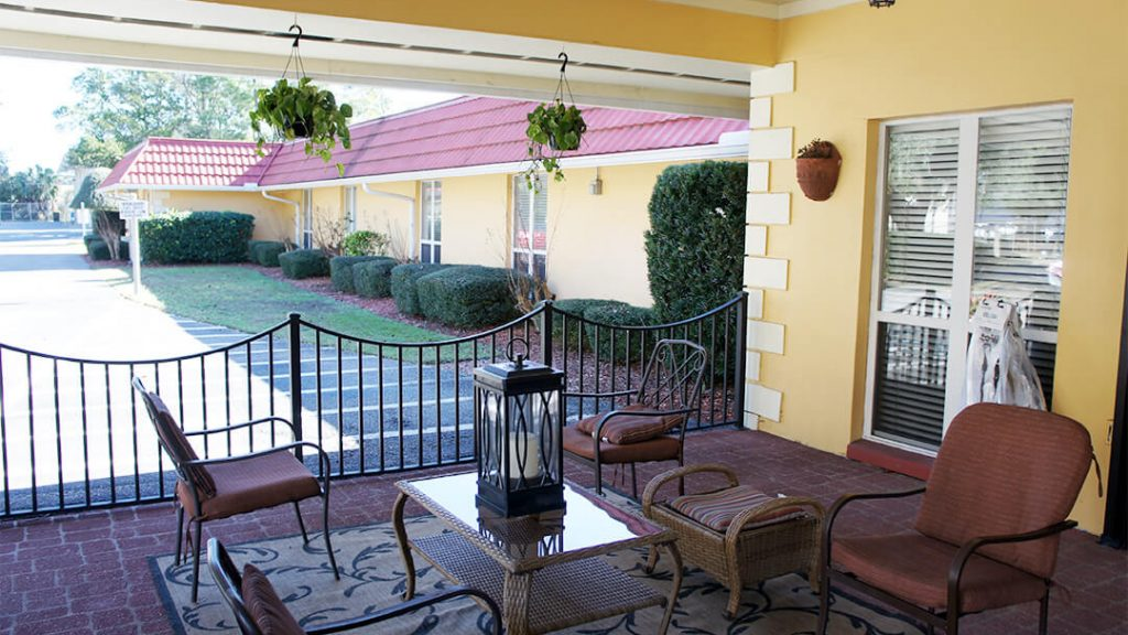 DSC02689 – Outdoor Patio 1 – Emerald Coast